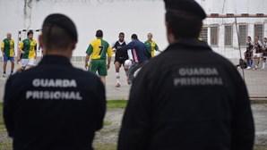 Guardas prisionais marcam nova greve