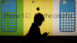 Três novos iPhones em 2015
