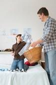 Ajudar o pai a desempenhar tarefas domésticas