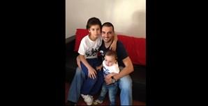 """""""Envio a foto do super pai Paulo Quina, de 38 anos de Aveiro"""", escreveram os filhos Diogo, de 9 anos, e Tiago, de 1 ano"""