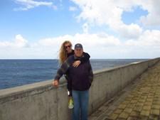 'Melhor do que as palavras são mesmo os gestos' enviou a Cândida Palmer, 27 anos, que vive em Lisboa, para o pai Luigi Palmer, 85 anos, da Madeira