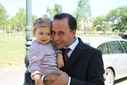 'Feliz dia para o melhor pai do Mundo!' enviou a leitora do CM Cecília Borges em nome da filha Carolina Vidigal, 21 meses, para o pai Fernando Vidigal, 35 anos