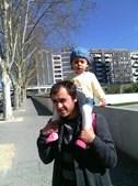 Foto enviada pela Ariana Ribeiro do pai Hugo Santos, 24 anos, com a filha Margarida Santos, 22 meses, de torres Vedras