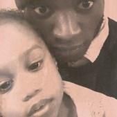 Foto do pai Geraldo Bartolomeu, 22 anos, com a pequena Débora