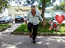 Foto enviada pelo Luís Henriques para surpreender o pai João Henriques, 71 anos, que vive em Queluz