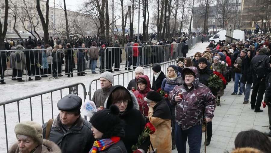 Nemtsov foi abatido a tiro a alguns metros de distância do Kremlin. O funeral reuniu milhares de pessoas