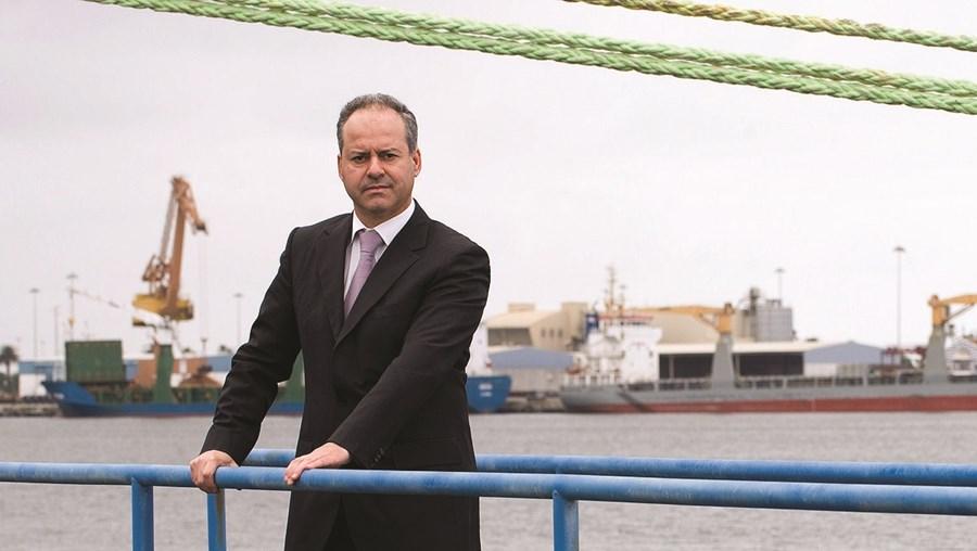 O presidente do Porto de Aveiro, José Luís Cacho, recebeu fax a substituí-lo