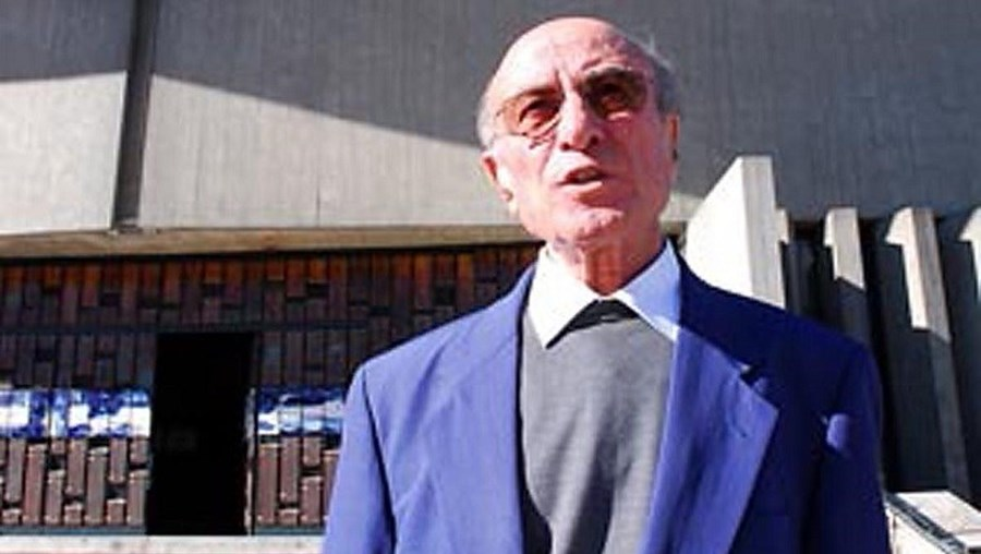 Orlando Mota Costa, padre da igreja de Cedofeita, no Porto, foi uma das pessoas enganadas