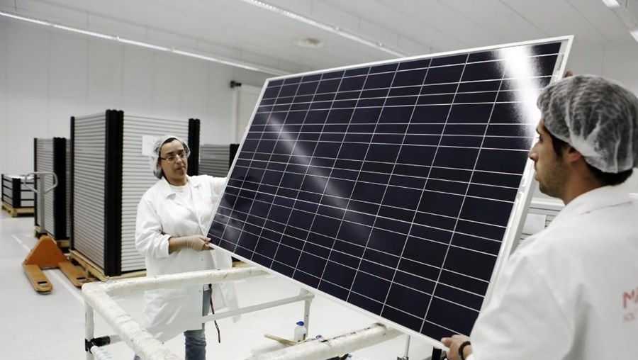 Zona de fabrico dos módulos fotovoltaicos