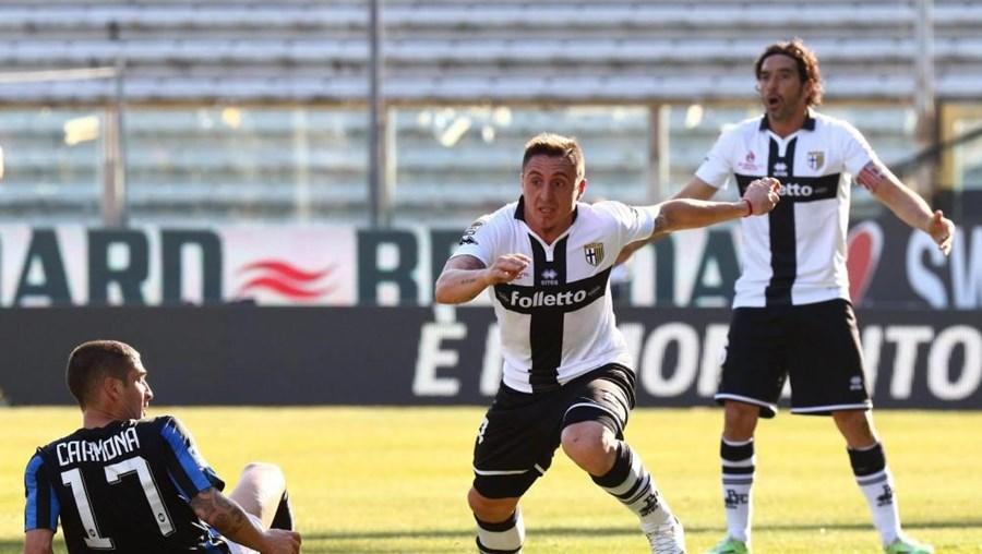 O Parma já tinha perdido três pontos no campeonato por salários em atraso