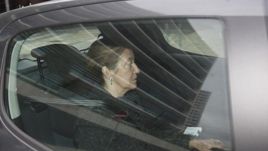 Maria Antónia Anes vai continuar em prisão domiciliária
