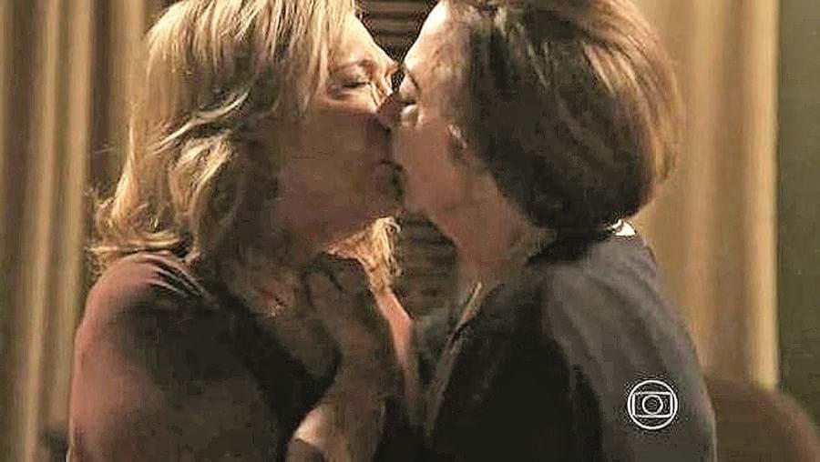 beijo, veteranas, preconceito, brasil, atriz, Fernanda Montenegro, Nathalia Timberg, Babilónia, casal, gay, homossexual
