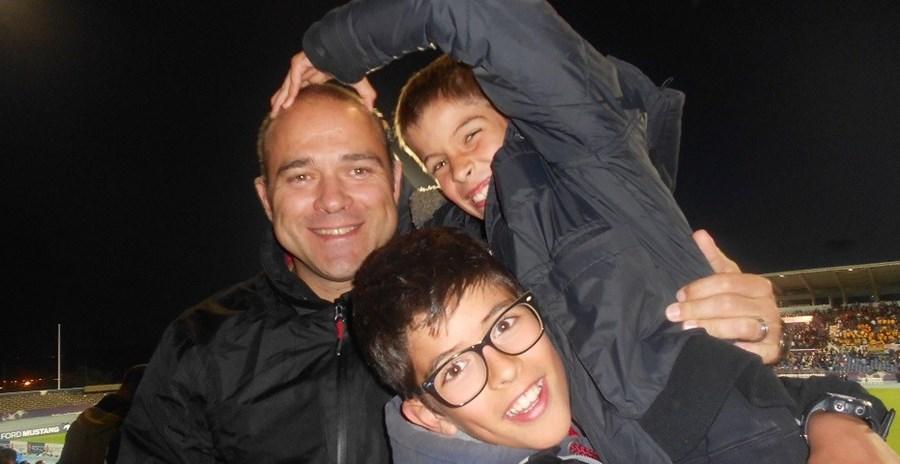 """""""O nosso pai é… Alguém de quem nos podemos orgulhar, alguém a quem agradecemos todos os dias e, especialmente, alguém para amarmos. Pai és o nosso orgulho… Gostamos muito de ti"""", escreveram Rodrigo Brandão (13 anos) e Martim Brandão (9 anos) para o pai Miguel Brandão, de 41 anos. A família é de Sacavém"""