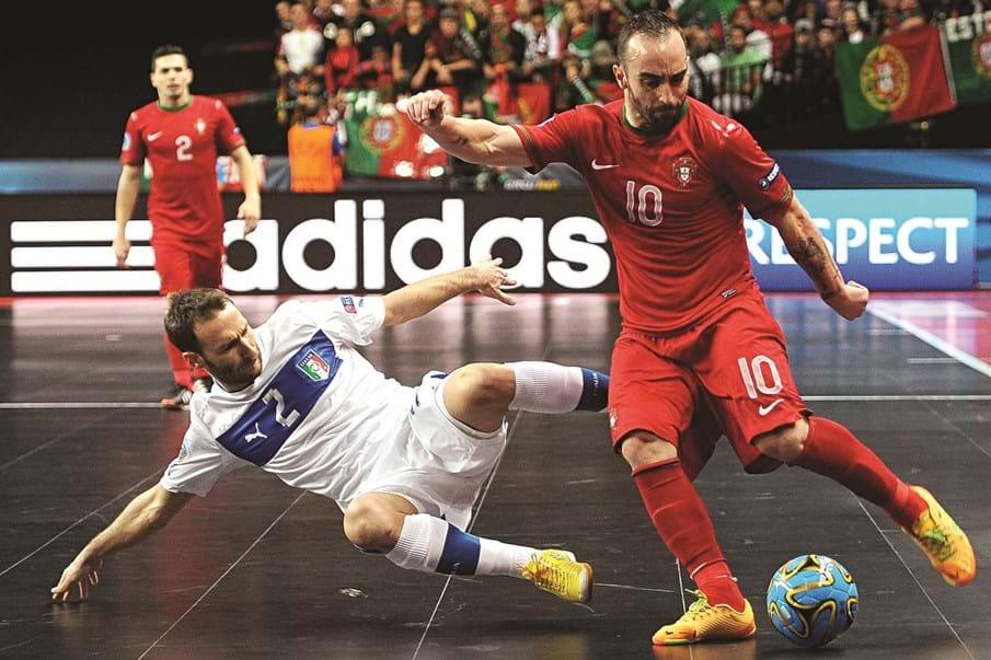 Melhor jogador de futsal do mundo é português - Desporto - Correio da Manhã 65cd0358421a9