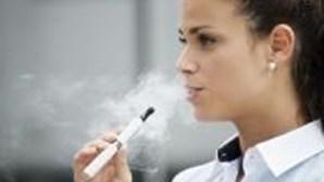 Cigarros eletrónicos podem ser mais nocivos que benéficos