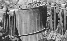 A barragem Hoover, no rioColorado, EUA, acabada de construir (1936)