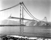 Construção da Golden Gate Bridge, em São Francisco, EUA (1937)