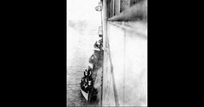 Sobreviventes do Titanic a subir a bordo do RMS Carpathia (1912)