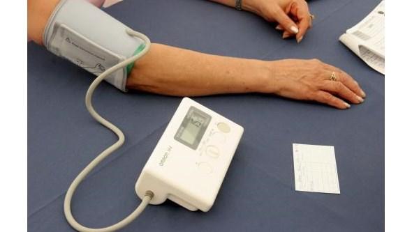 Diferença de tensão arterial entre braços agrava risco de sofrer ataque cardíaco e AVC