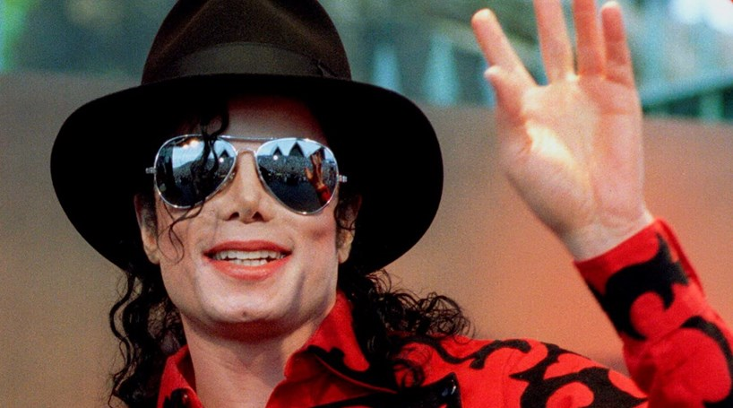 Chapéu de Michael Jackson arrematado por 10 mil euros - Cm ao Minuto ... cd8057bf836