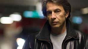 Cantor e compositor é presidente da televisão pública grega