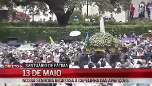 Multidão segue regresso de Nossa Senhora à Capelinha das Aparições
