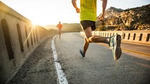 Dor constante nos joelhos pode indicar artroses ou até lesão no menisco