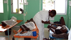 PM de Moçambique lança campanha de vacinação contra cólera no norte do país