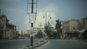 Quarenta 'jihadistas' mortos num raide da força aérea síria