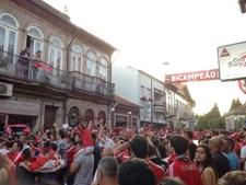 Benfiquistas de Vizela saem à rua
