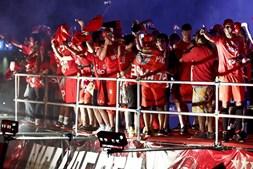 Jogadores festejam no Marquês de Pombal