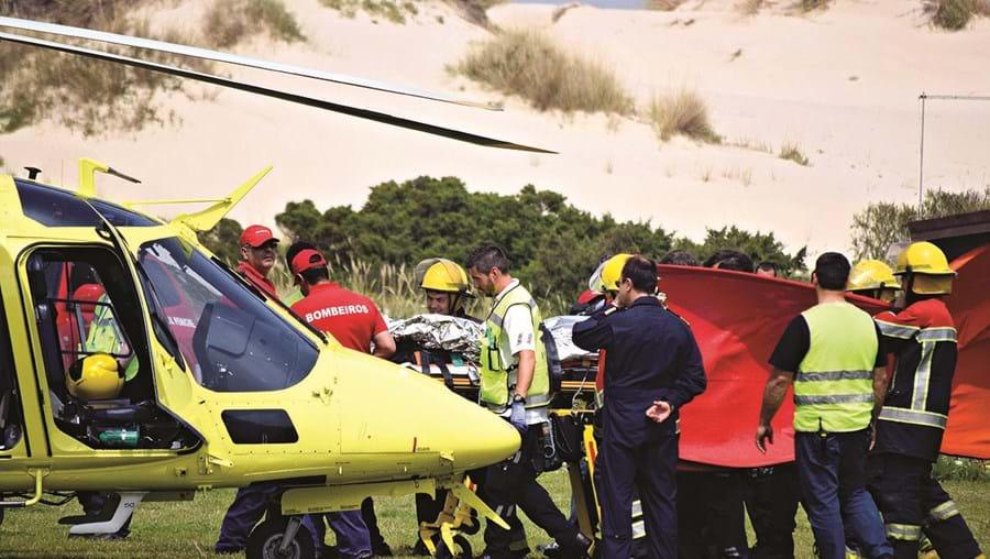 Professora foi transportada de helicóptero para o Hospital de Santa Maria