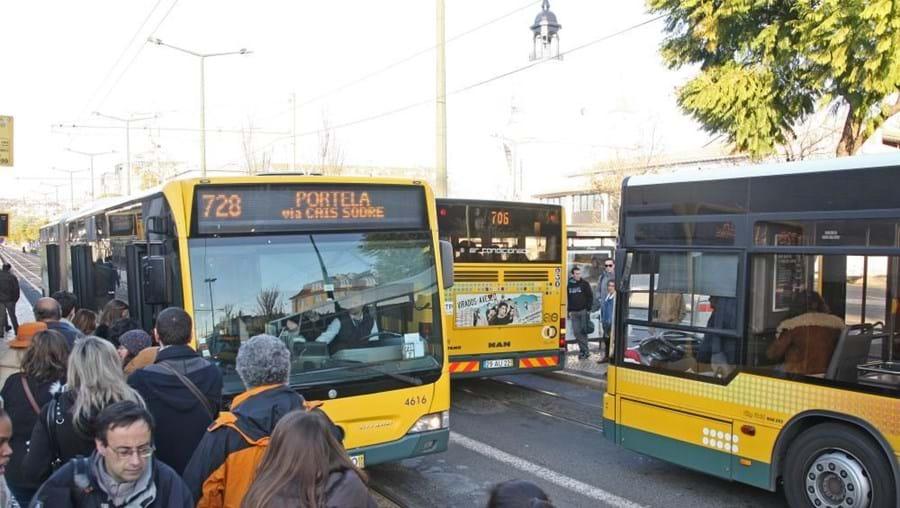 Trsbalhadores da Carris fazem greve de 24 horas