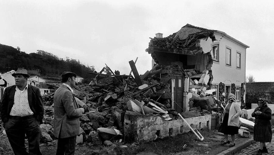 O sismo de 1980 arruinou dois terços dos edifícios da ilha terceira