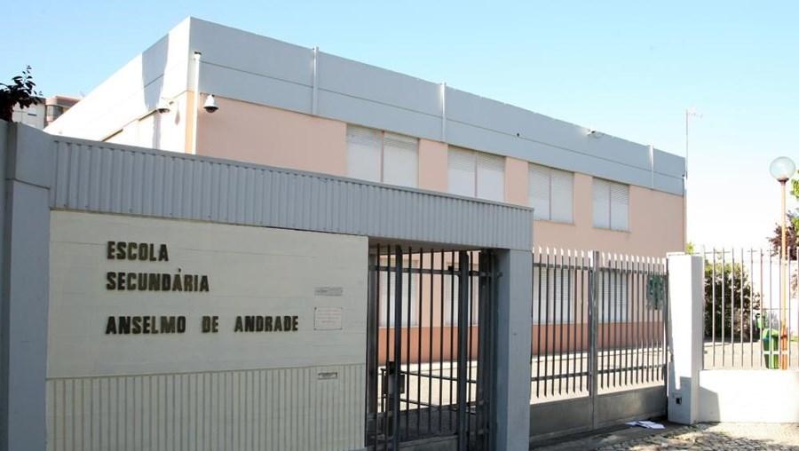 Foram assaltados alunos da Secundária Anselmo de Andrade, em Almada