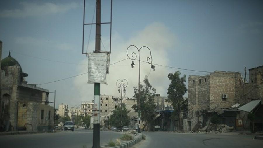 Região é frequentemente bombardeada pela força aérea e helicópteros do regime de Damasco