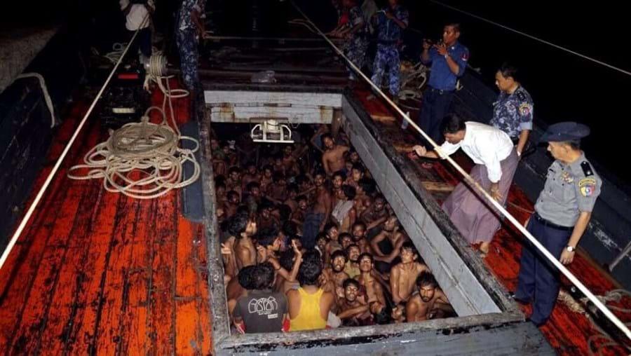 """Nesta """"questão da imigração ilegal das pessoas em barcos, não podem apenas virar as atenções para o meu país"""", disse Htin Lynn"""