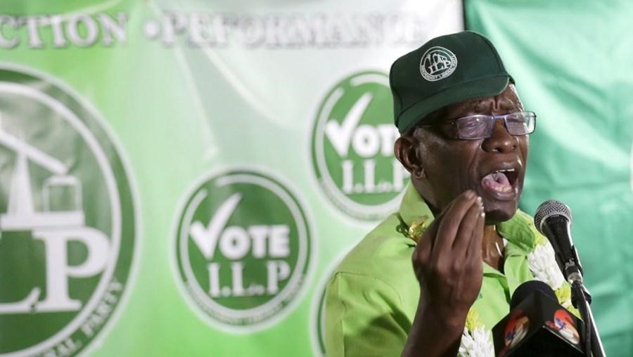 Jack Warner manifestou sinais de esgotamento nas últimas horas