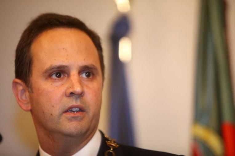 Fernando Medina anunciou que 'os concursos encontram-se suspensos'