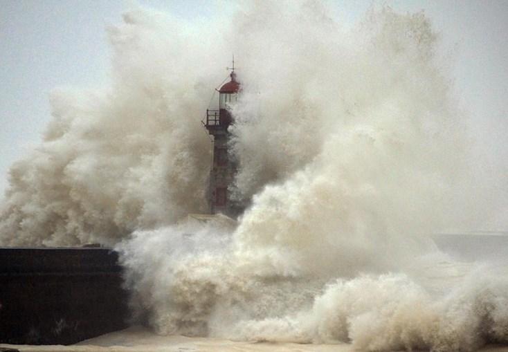 IPMA prevê agitação marítima forte em Coimbra, Leiria, Lisboa, Setúbal, Beja e Faro
