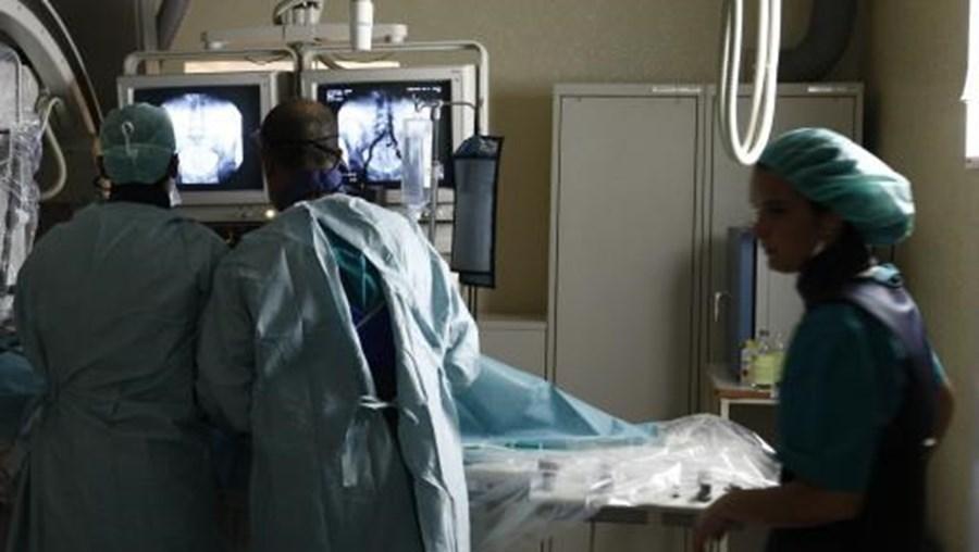 Tratamenton é feito com um laser introduzido pela uretra