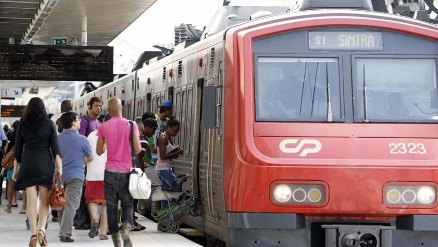Dez mil passageiros por dia deixam de fazer o transbordo entre Sintra e Oriente