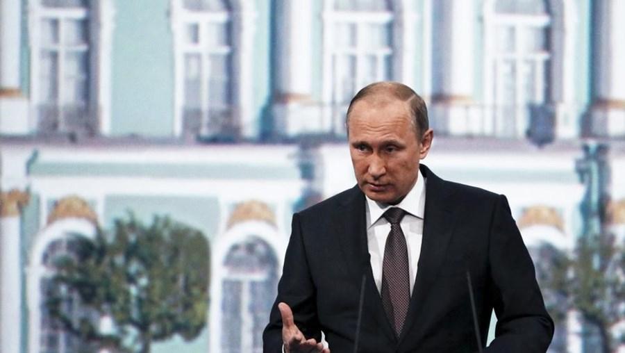"""""""Estávamos preparados e foi isso que convenceu a FIFA. A construção dos estádios já começou"""", disse Putin."""