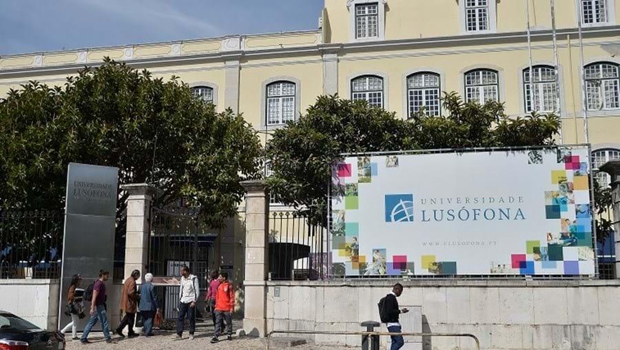 Universidade está à espera da decisão judicial