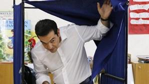 """Tsipras: gregos têm """"nas mãos as rédeas do seu destino"""""""