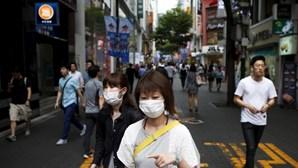Taxista morre devido a coronavírus em Taiwan. Homem tinha clientes da China e Macau