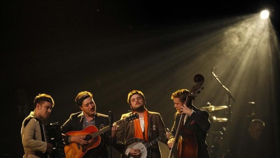 A banda trocou o folk pelo rock