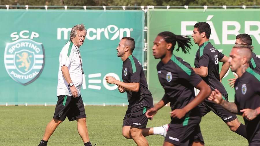 Jorge Jesus trocou o Benfica, onde esteve seis épocas, pelo Sporting neste defeso