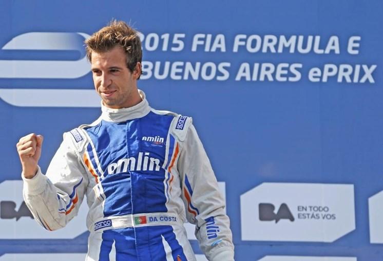Piloto português subiu ao oitavo lugar do campeonato