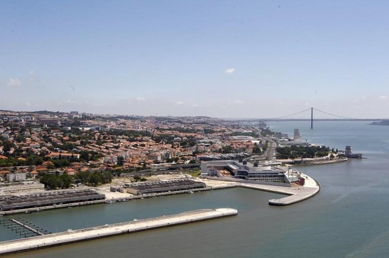 A exposição é intitulada 'A Luz de Lisboa'
